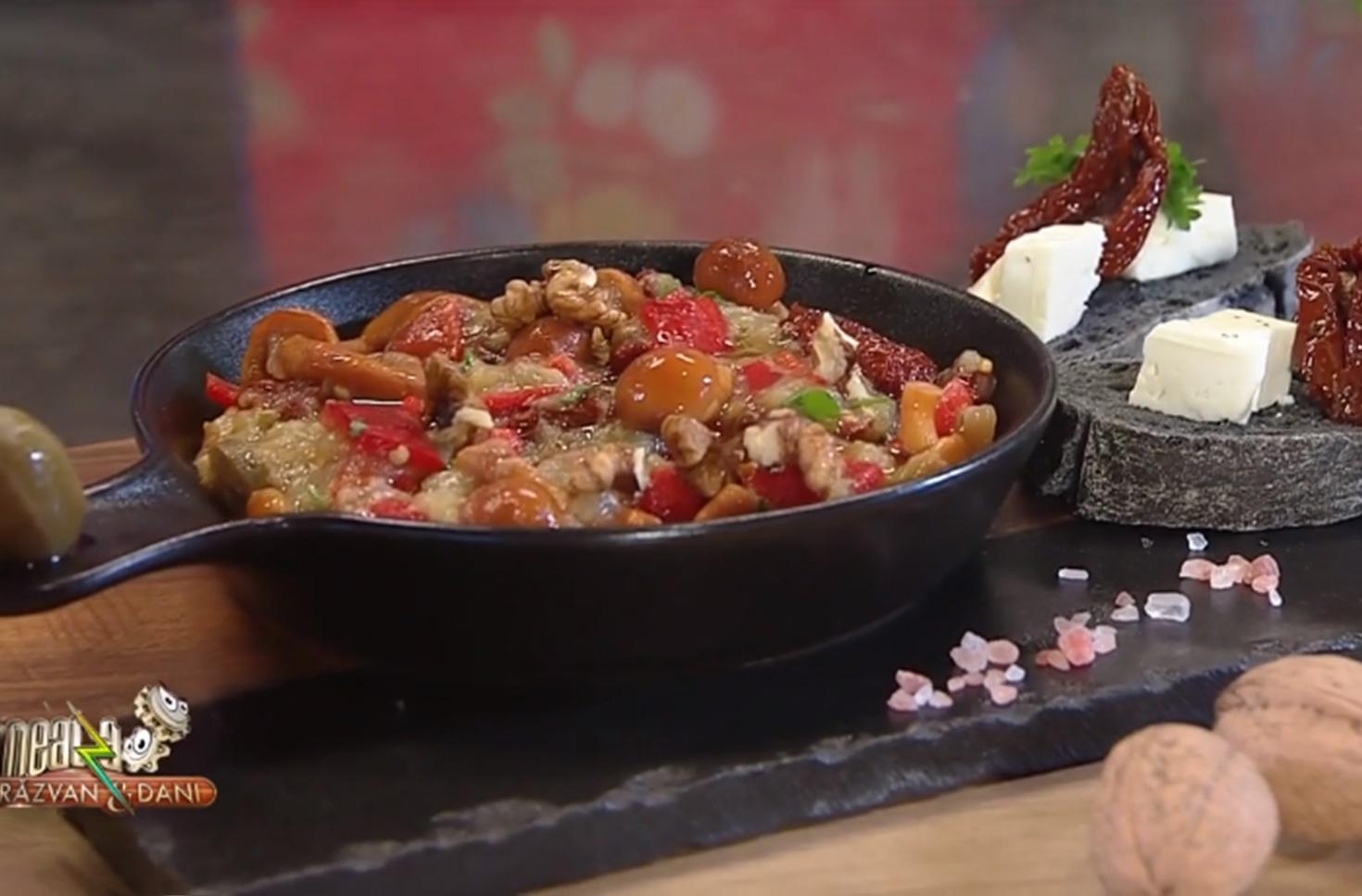 Salată de vinete cu parfum de toamnă - rețeta lui Vlăduț de la Neatza cu Răzvan şi Dani