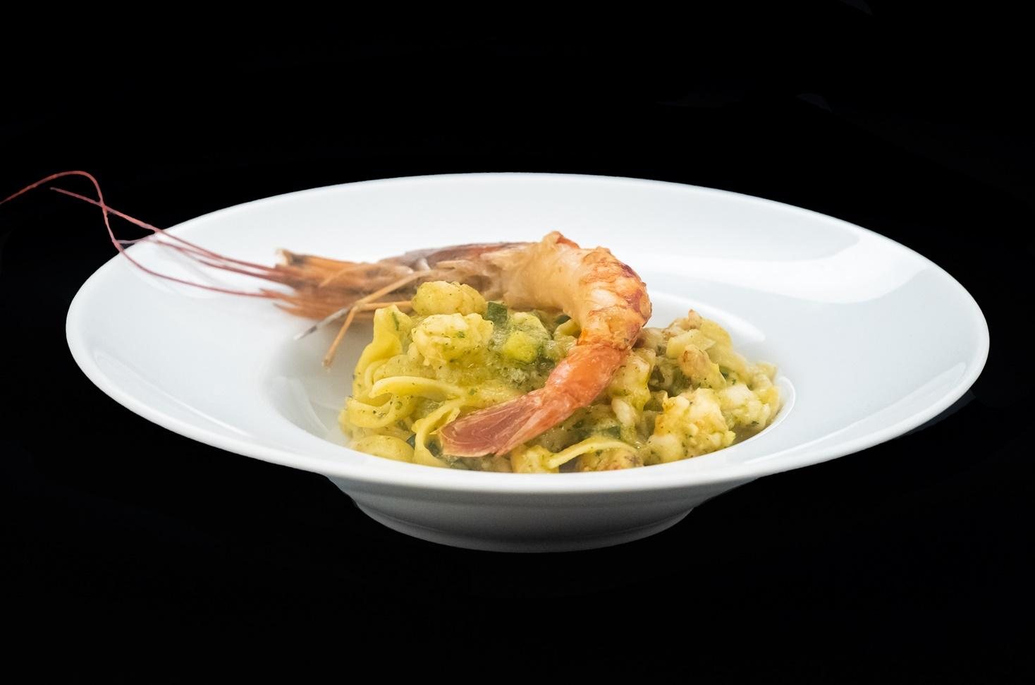 Rețetă din bucătăria italiană: Tagliatelle cu zucchini și creveți