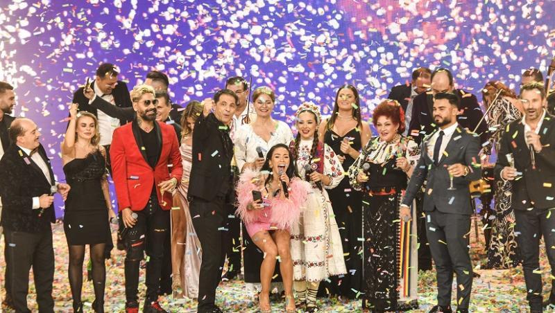 Vedetele de la Revelionul Starurilor 2021, cântând și dansând în platoul emisiunii, alături de Dan Negru