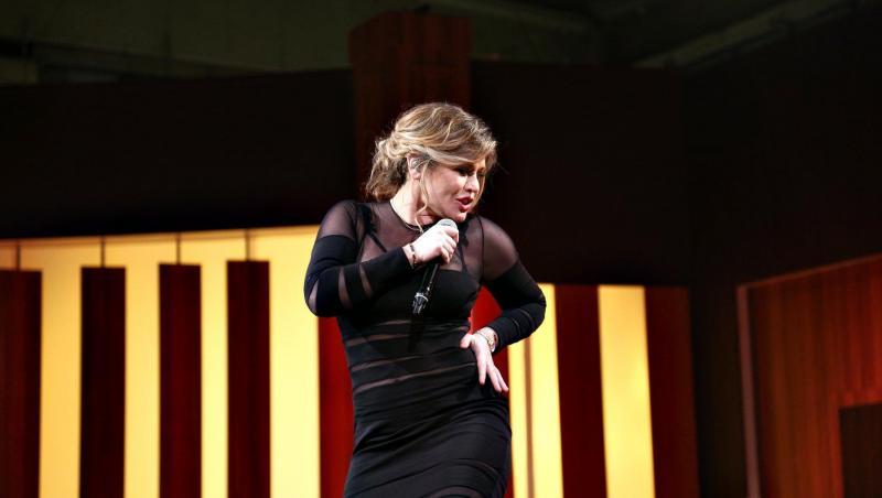Loredana Groza, într-o rochie neagră, la Chefi la cuțite