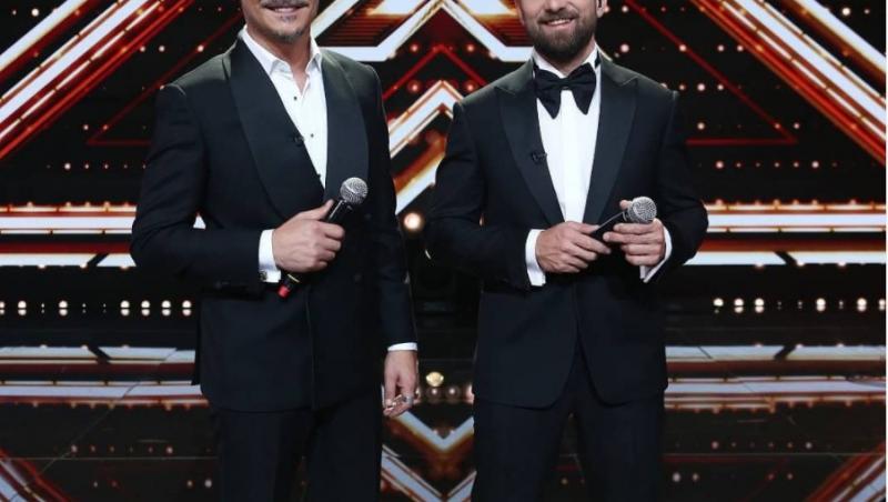 Răzvan Simion și Dani Oțil, îmbrăcați elegant, în FIanal X Factor 2020