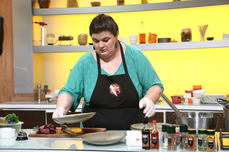 """Cum faci cea mai bună Ribollita din lume, în jumătate de oră! Rețeta Claudiei Radu de la """"Chefi la cuțite"""""""