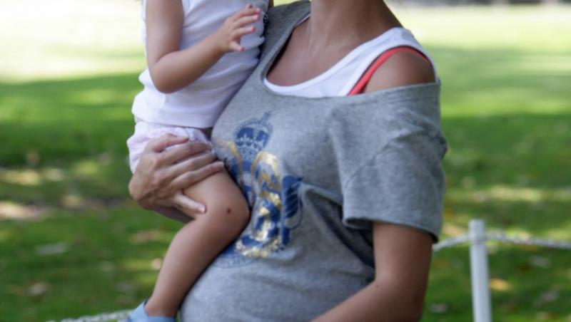 Leni Klum în brațele mamei ei, Heidi Klum