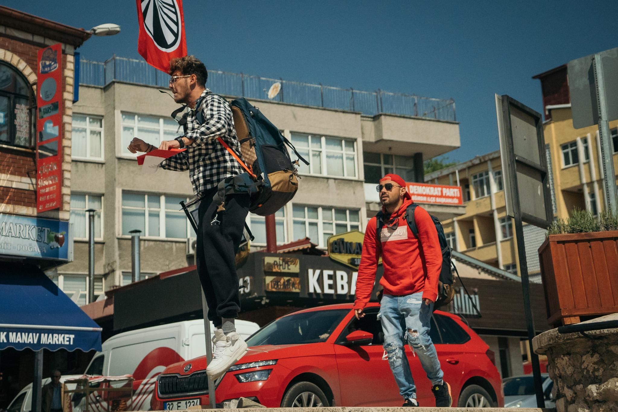 """Asia Express, 10 octombrie 2021. Cuza și Emi au negociat """"la sânge"""" cu un turc. La ce """"comoară"""" nu a vrut să renunțe"""