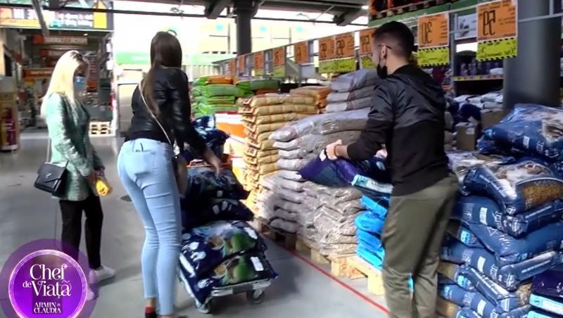 Armin Nicoară și Claudia Puican, gest emoționant pentru un adăpost de câini. Cei doi au mers în vizită și le-au dus mâncare