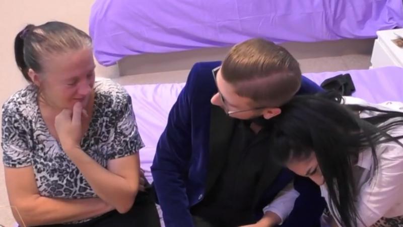 Petrică și Ela sunt convinși de faptul că doamna Ioana va interveni continuu în relația lor