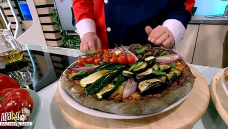În aluatul de pizza, pentru un aspect mai plăcut, se adaugă puțin cărbune activ