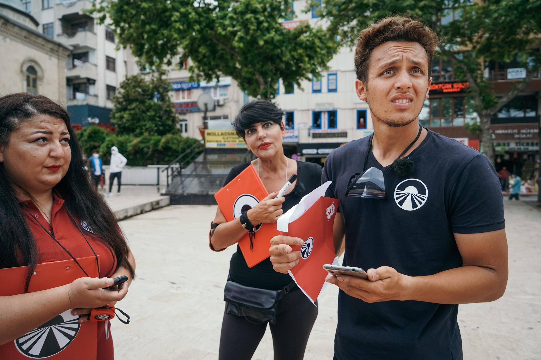 """Asia Express, 20 octombrie 2021. Francesco a fost """"lovit"""" de Patrizia Paglieri. Ce s-a întâmplat la Cursa pentru Ultima Șansă"""