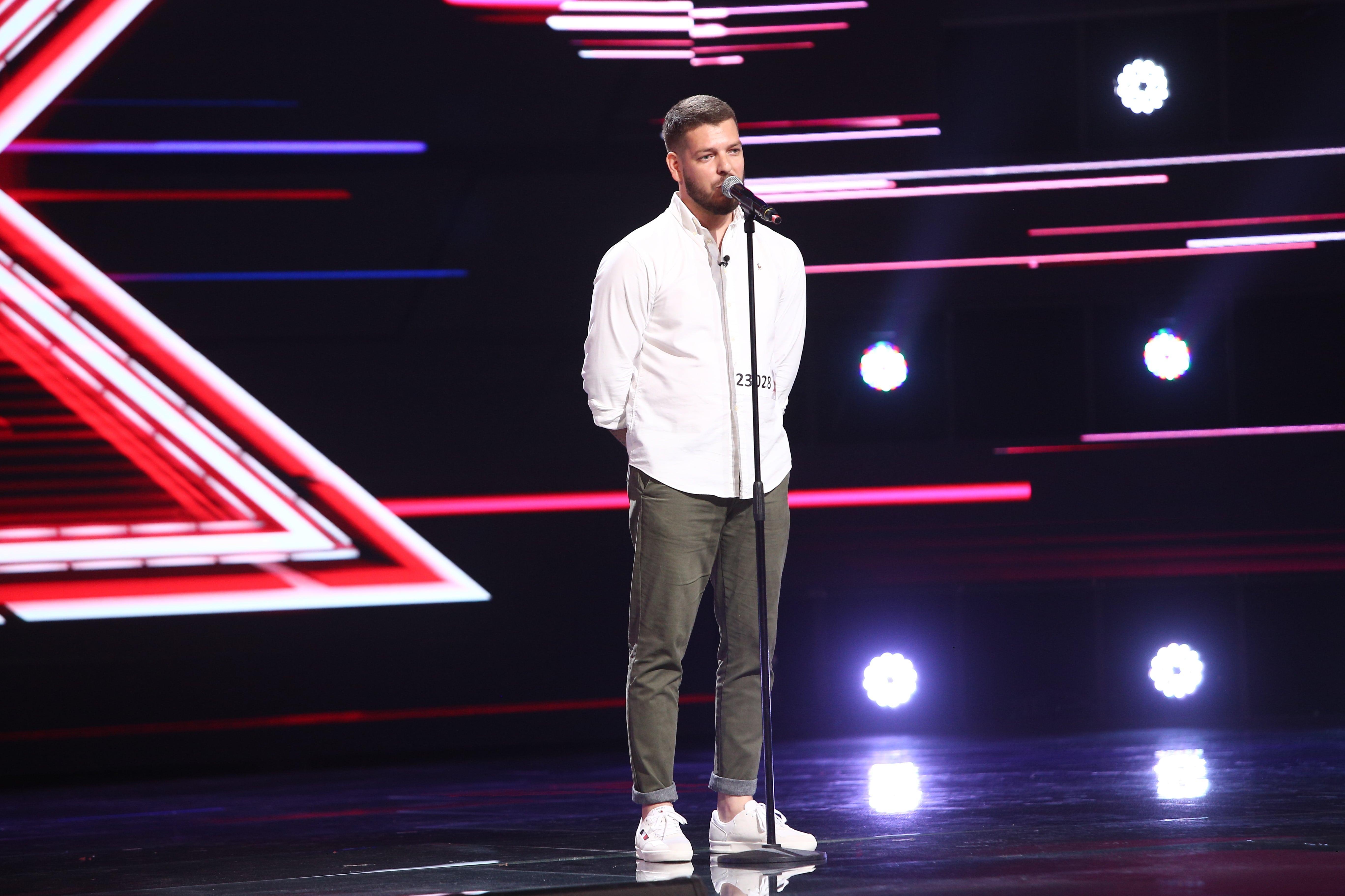 "X Factor 2021, 22 octombrie. Alexandru Ștefan Stoica a cântat superb piesa ""The impossbile dream"". Ce meserie are"