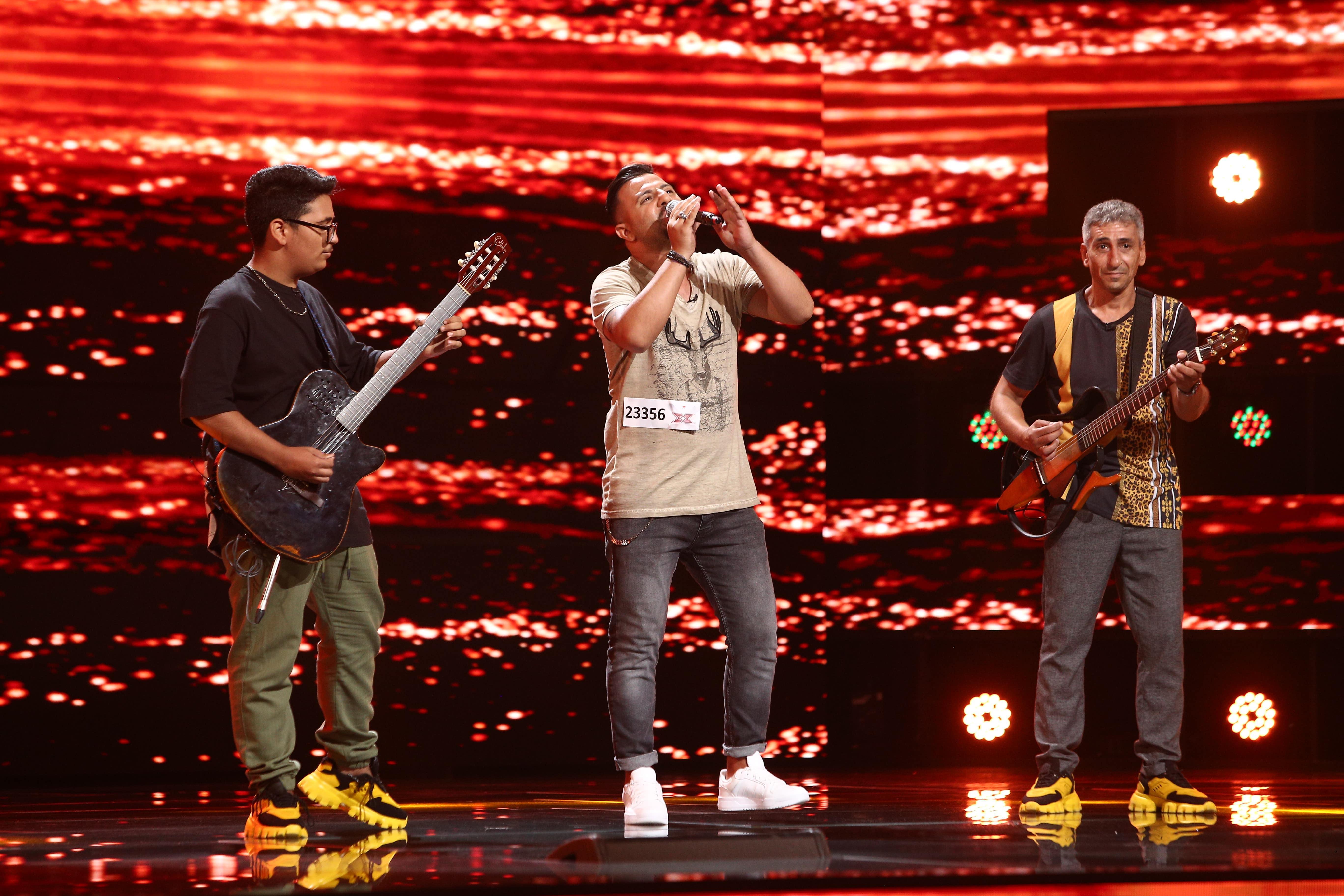 """X Factor 2021, 22 octombrie. Ionuț Mihai a cântat """"piesa emblemă"""" - """"Ederlezi"""", alături de instrumentiștii săi"""