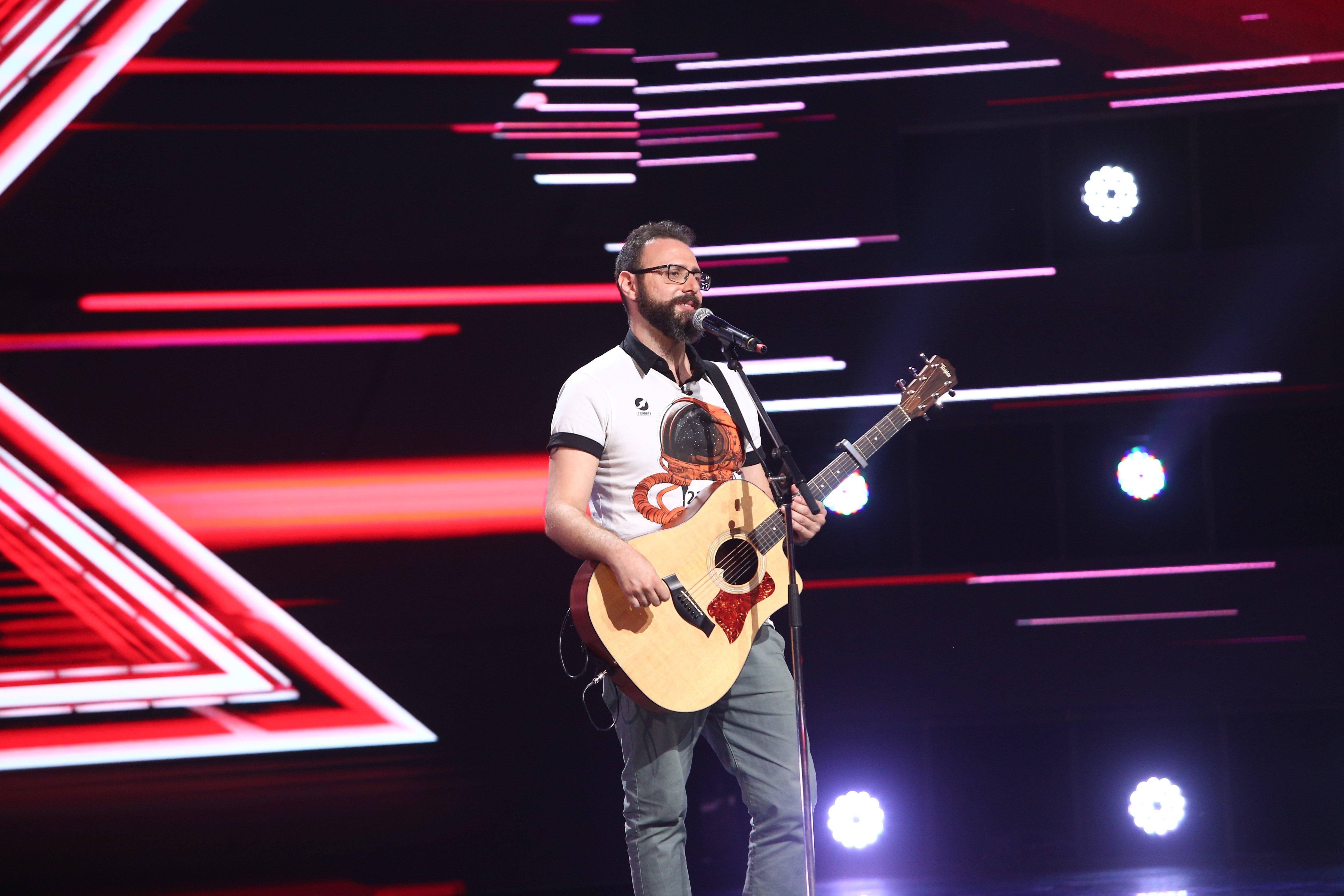 """X Factor 2021, 22 octombrie. Elie Haddad a impresionat cu povestea sa de dragoste și cu interpretarea - """"House Of The Rising Sun"""""""