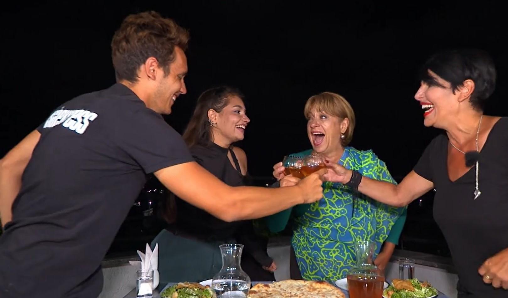 Asia Express, 26 octombrie 2021. Adriana Trandafir și Maria Speranța, întâlnire emoționantă cu Patrizia și fiul ei. Ce au povestit
