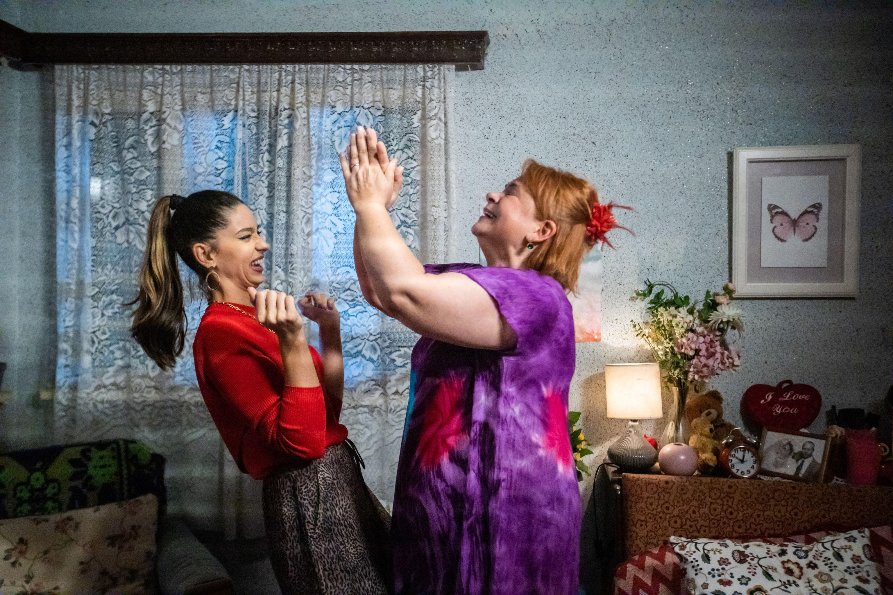Serial Adela, episodul 7 si episodul 8, din 4 februarie 2021. Paul Andronic își aduce fata acasă