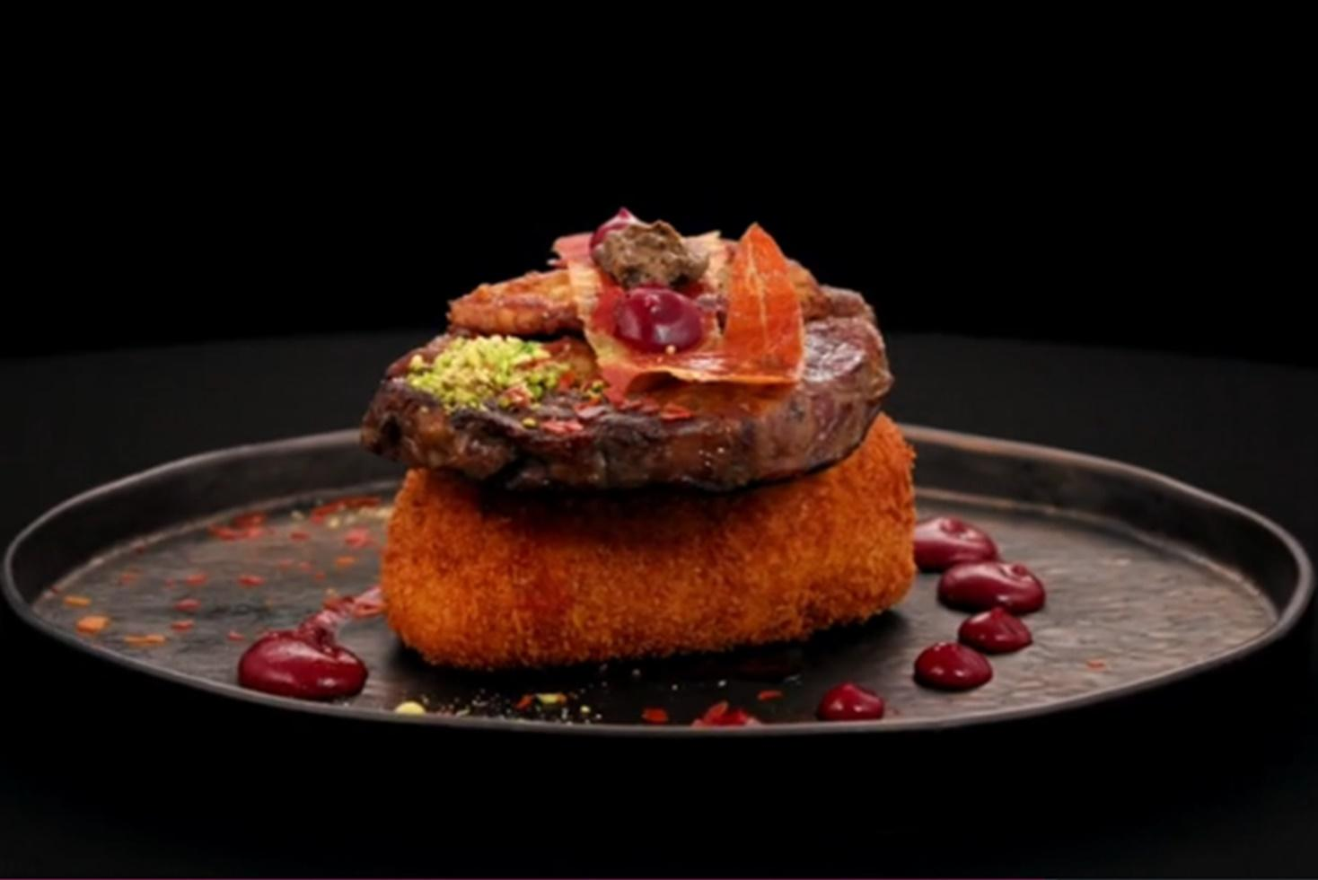 Chefi la cuțite, 15 martie 2021. Antricot de vită cu foie gras, dulceață de ceapă și brânză pane, rețetă gătită de Dorin Voiasciuc