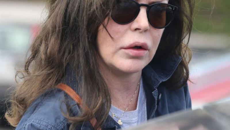 La 51 de ani, Lara Flynn Boyle uimește prin felul în care arată
