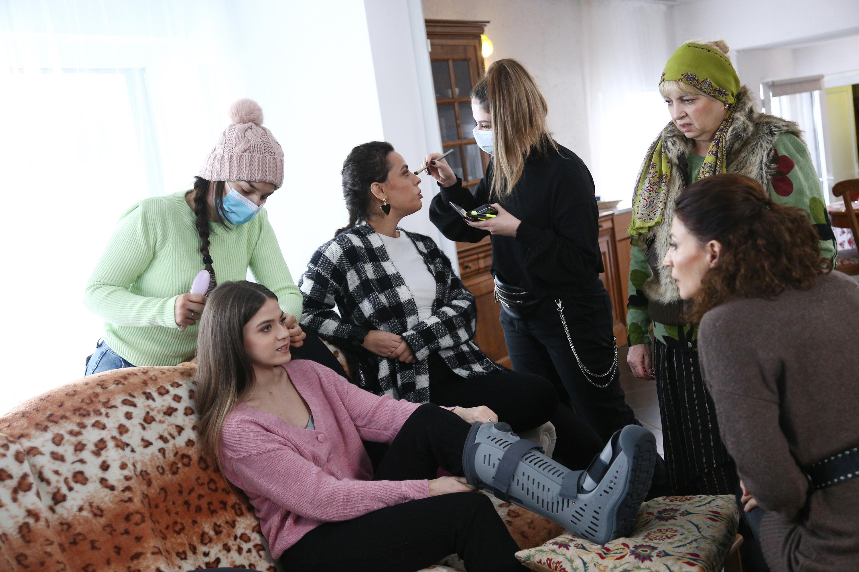 Adela – Tot ce nu se vede, episodul 12. Mara Oprea și-a fracturat piciorul în realitate, nu doar în serial!
