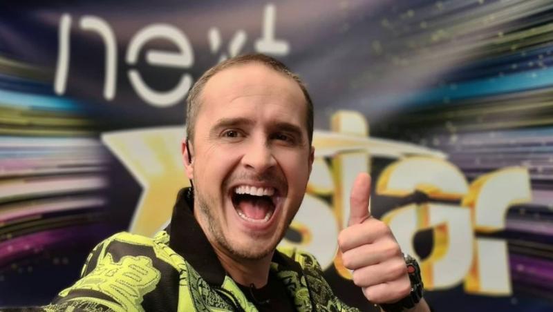 Șerban Copoț, într-o geacă galbenă la Next Star
