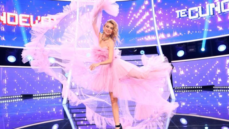 Andreea Bălan, într-o rochie roz, la Te cunosc de undeva!
