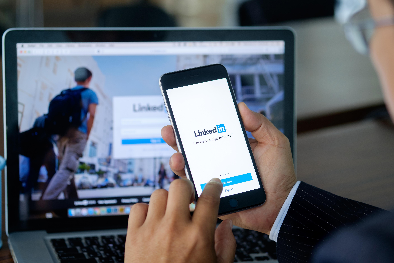 O nouă scurgere de date afectează populația lumii, după Facebook. LinkedIn a scurs datele a jumătate de miliard de membri
