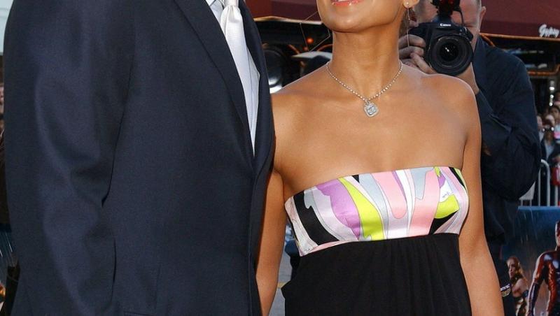 Se pare că Jennifer Lopez nu mai e o femeie singură, după ce s-a despărțit de Alex Rodriguez în urmă cu lună.
