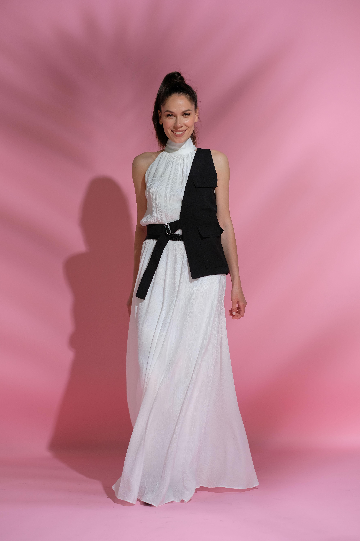 Irina Fodor într-o rochie albă