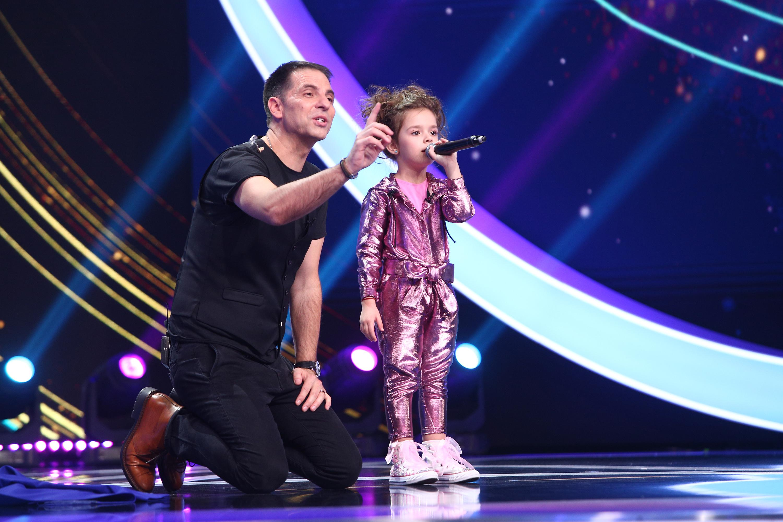 Brianna Fora pe scenă, alături de Dan Negru