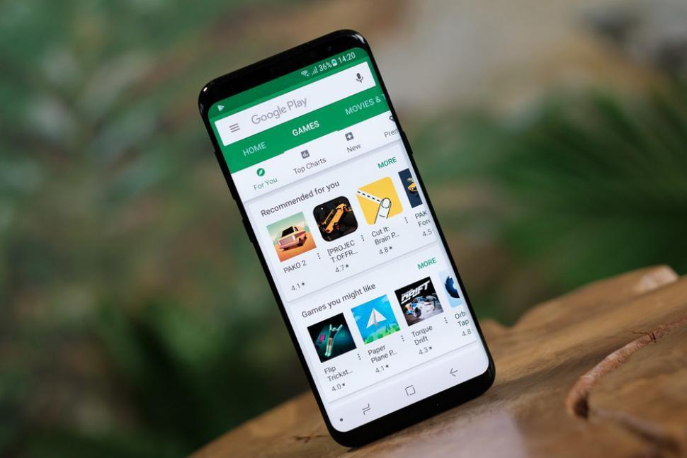 Orange alertează ultilizatorii de Android cu privire la un nou virus. O aplicație îți poate fura banii din cont
