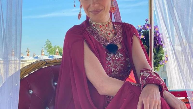 Irina Fodor, îmbrăcată într-un costum de cadână, în Asia Express