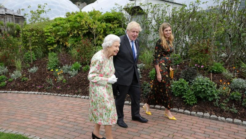 Regina Elisabeta a II-a, la summitul G7, și Boris Johnson, iunie 2021