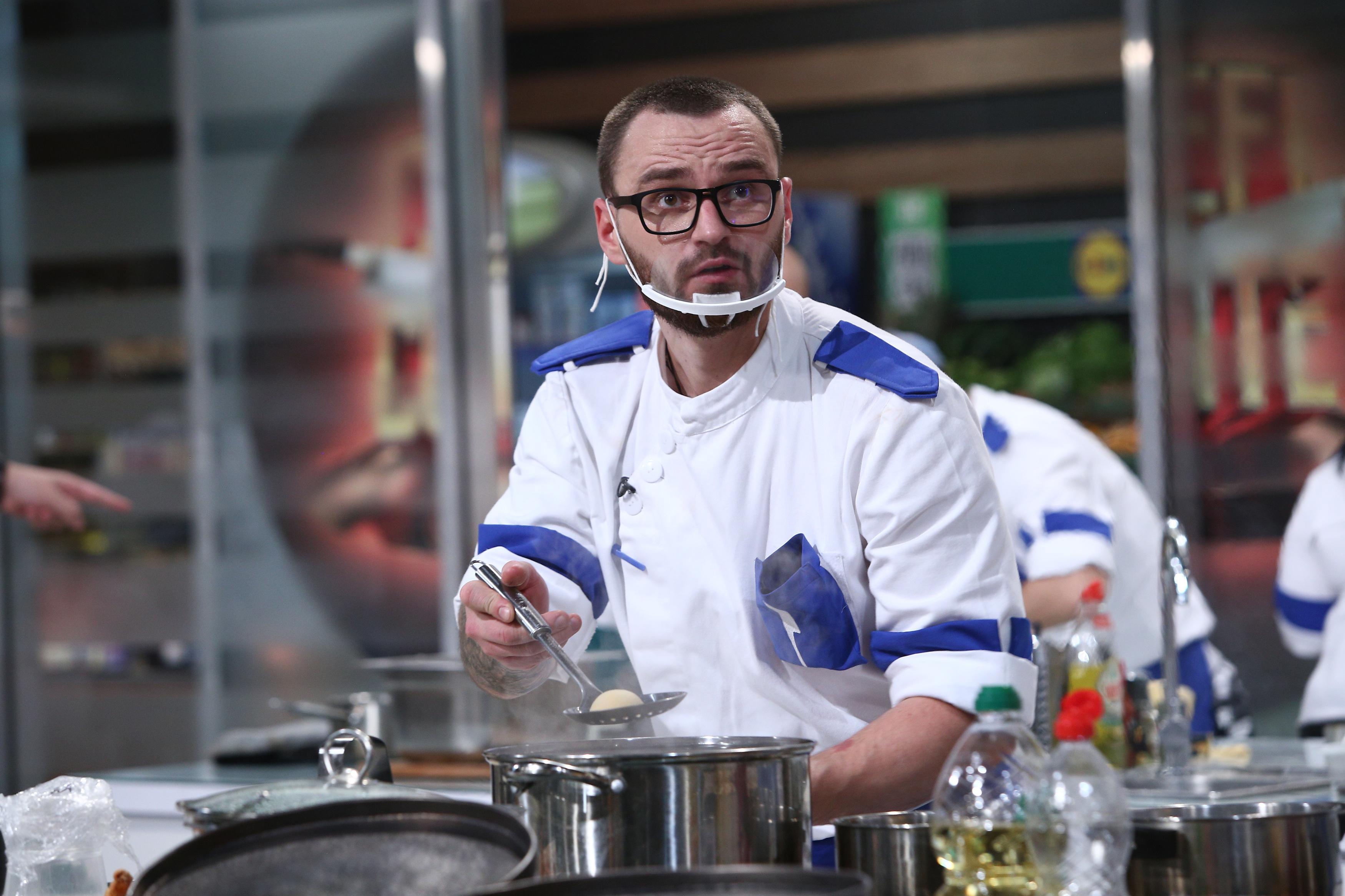 """Finala Chefi la cuțite 2021. Florin Dumitrescu l-a """"destabilizat complet"""" pe Cătălin Amarandei în finală. Ce i-a zis"""