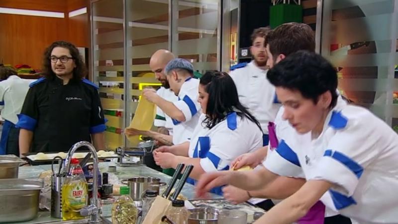 """Florin Dumitrescu, juratul emisiunii """"Chefi la cuțite"""", alaturi de echipa lui catalin amarandei in finala"""
