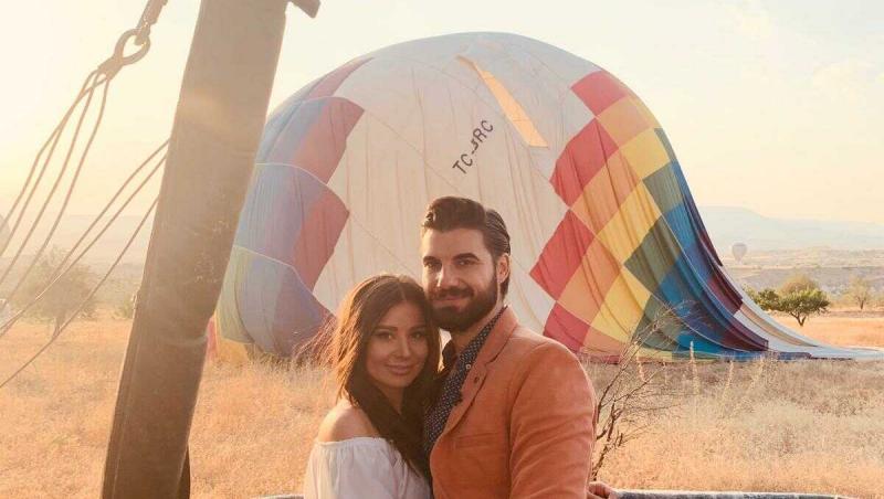 ana bene si andi constantin intr-un balon cu aer cald in cappadocia