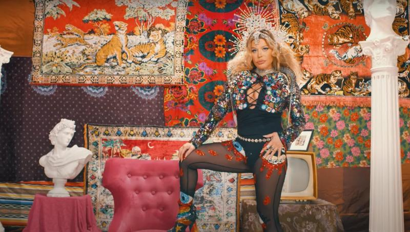Costi Ioniță a produs un cântec reggae care a ajuns locul 1 în lume. Artiștii internaționali sunt Sean Paul, Shaggy și Spice