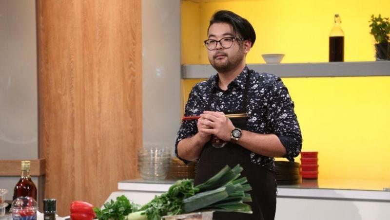 Rikito Watanabe, simpaticul japonez care a făcut furori în cadrul emisiunii Chefi la cuțite, a arătat publicului cu ce se ocupă atunci când se află în afara competiției.