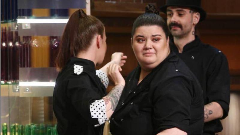 Claudia Radu, purtând uniforma echipei Bulinelor, în sezonul 8 de Chefi la cuțite