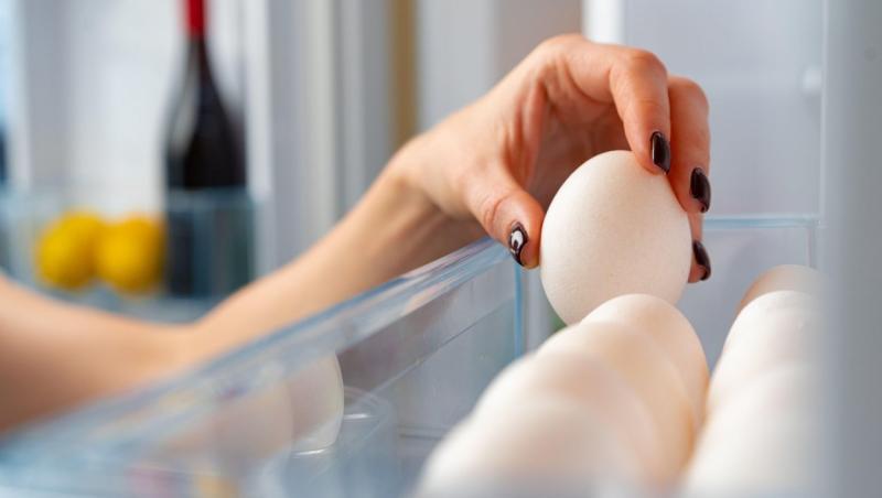 Ouă depozitate in frigider