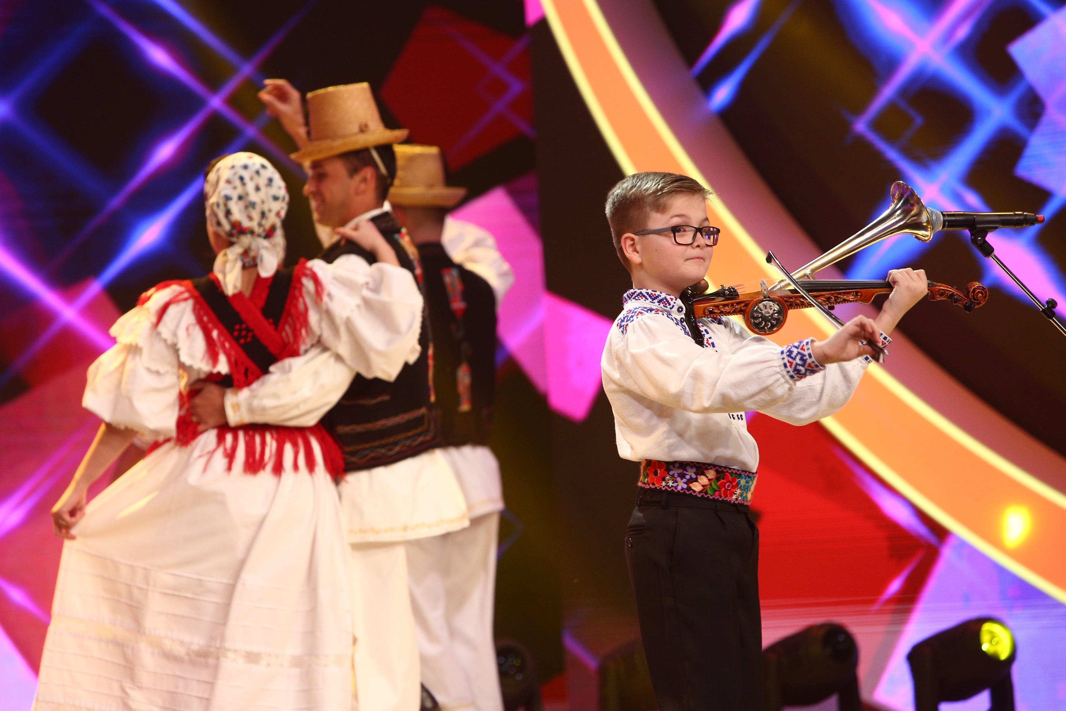 Finala Next Star 2021. Alex Lucaciu, moment inedit cu un instrument cu nume special. Un jurat i-a dat vot negativ