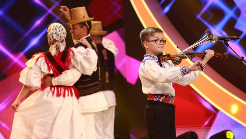 Alex Lucaciu a cântat la un instrument cu nume special în finala Next Star 2021