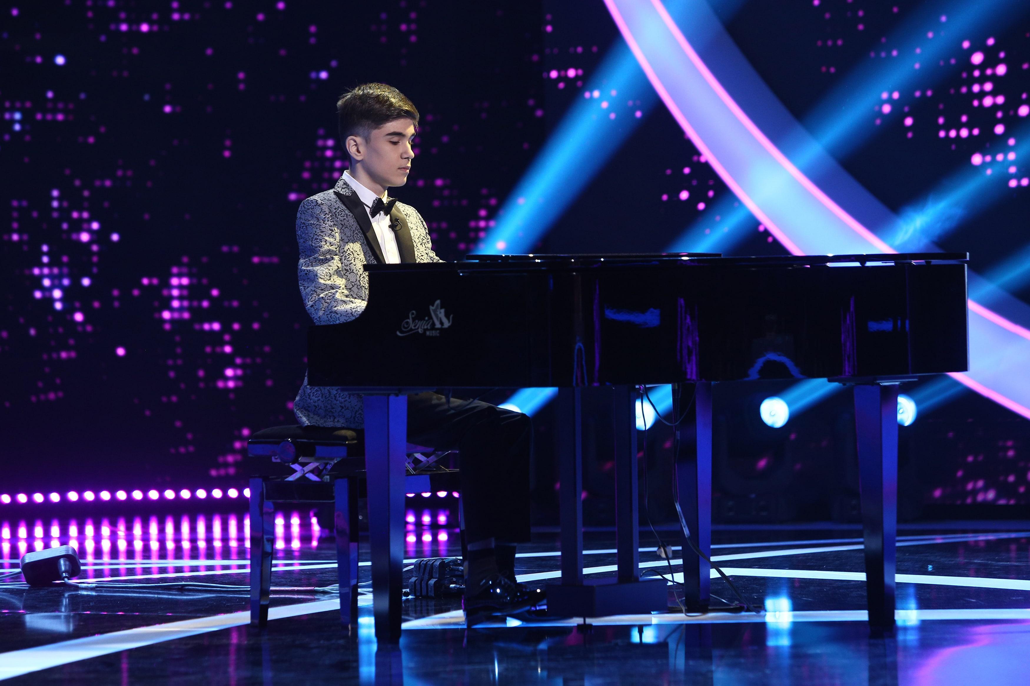 Finala Next Star 2021. Amir Bălteanu, momentul în care jurații s-au emoționat complet. Micuțul a cântat alături de Damian Drăghici