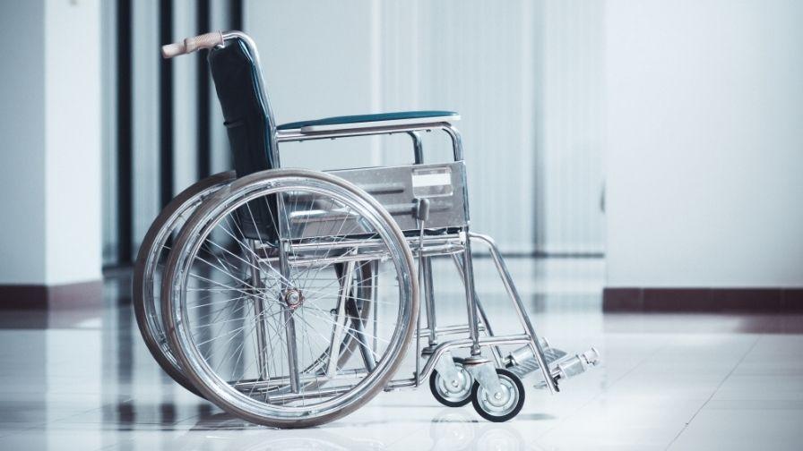 Brittney Bedwell, o femeie care a rămas paralizată în urma unui accident, a mers pe propriile ei picioare la altar. VIDEO