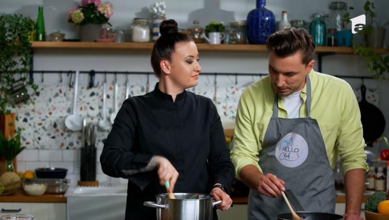 În acest ultim episod de Hello Chef, Chef Roxana Blenche a gătit un desert care necesită puțin mai multă atenție decât altele, dar este simplu de făcut