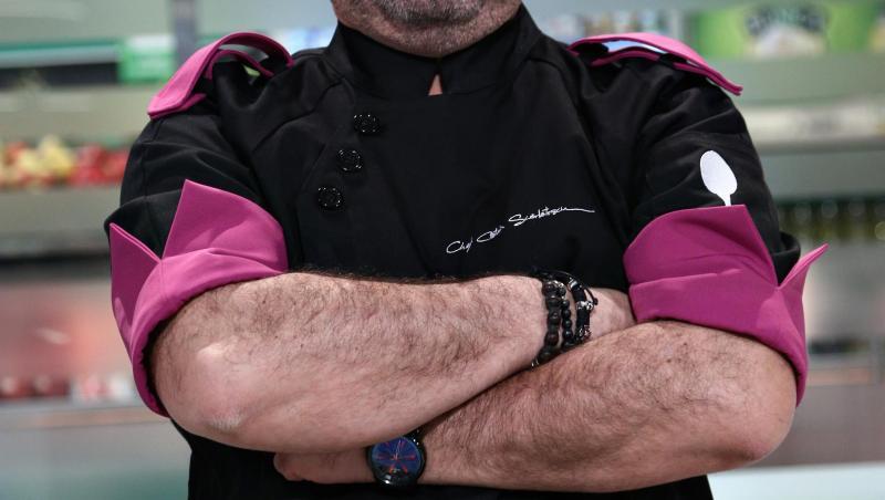 Cătălin Scărlătescu, în platoul emisiunii Chefi la cuțite, în sezonul 9