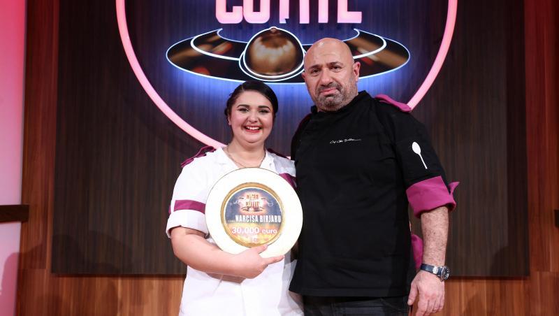 Cătălin Scărlătescu, în platoul emisiunii Chefi la cuțite, alături de Narcisa Birjaru