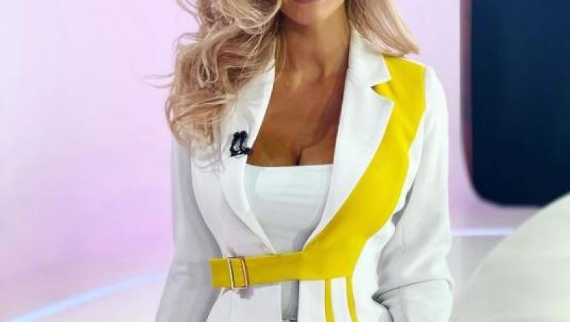 Iuliana Pepene, într-o rochie albă