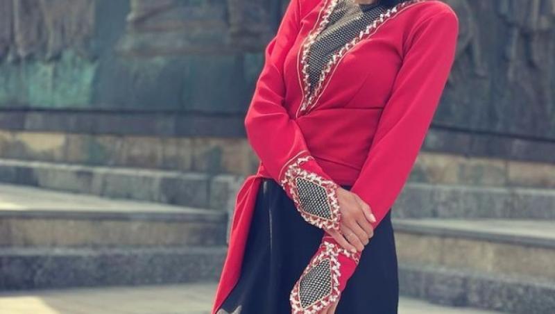 Irina Fosor, îmbrăcată în roșu, în Asia Express