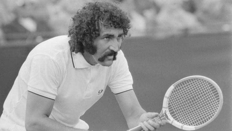 Ion Țiriac, în tinerețe, jucând tenis