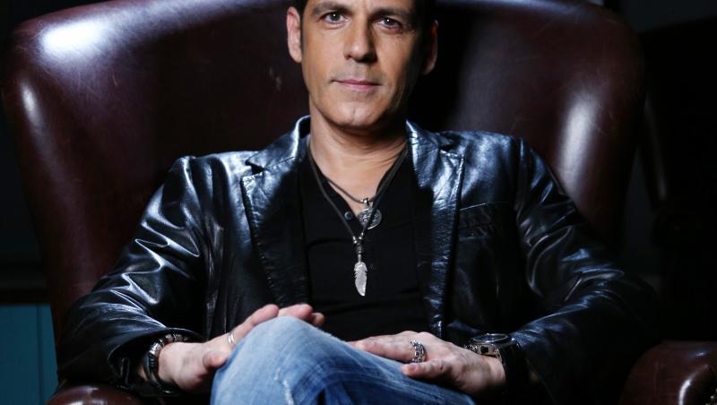 Ștefan Bănică, pe fotoliu, la Next Star
