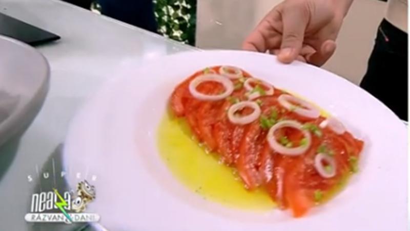 Salata de roșii desăvârșește gustul preparatelor turcești