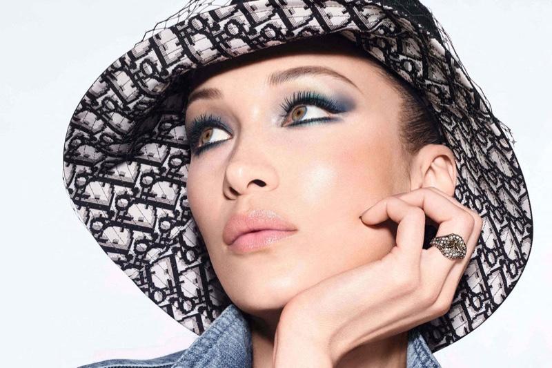 Daria Rudakova, artista care le face pe femei să se simtă și mai frumoase decât sunt. Tehnica prin care le întinerește