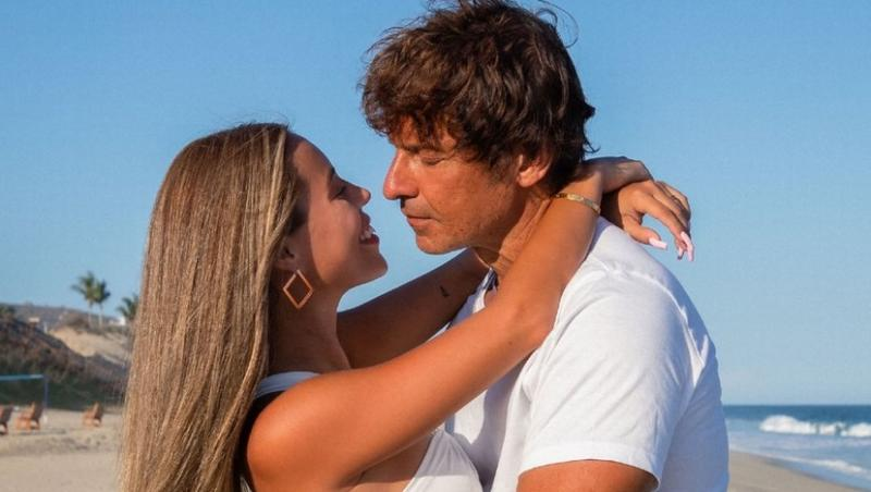 Alyssa Renee Gutierrez si peter, imbratisati
